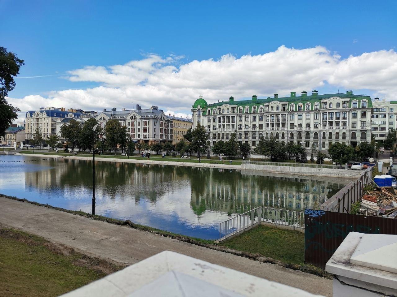 6. Реставрируемый парк «Чёрное озеро»