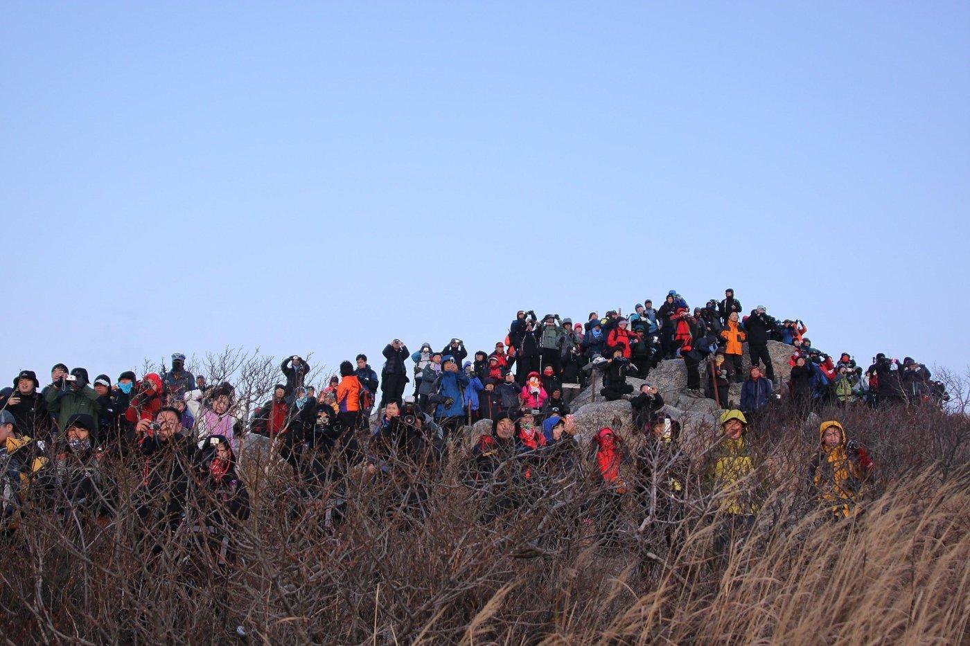 Корейцы обожают гулять по горам и фоткать рассветы