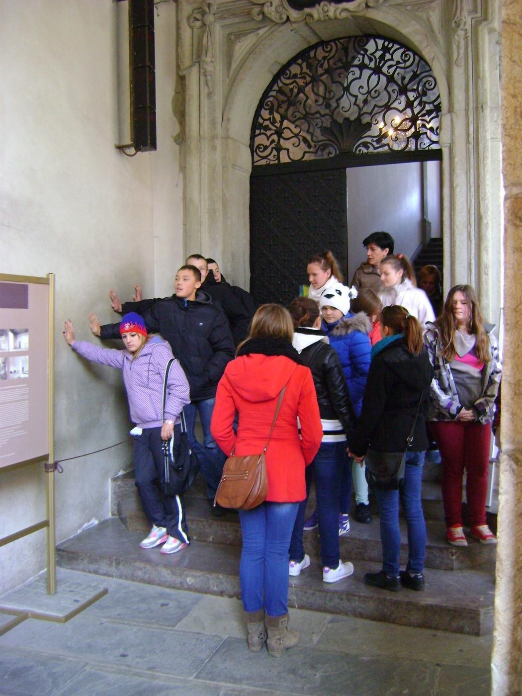 Туристы пополняют ману
