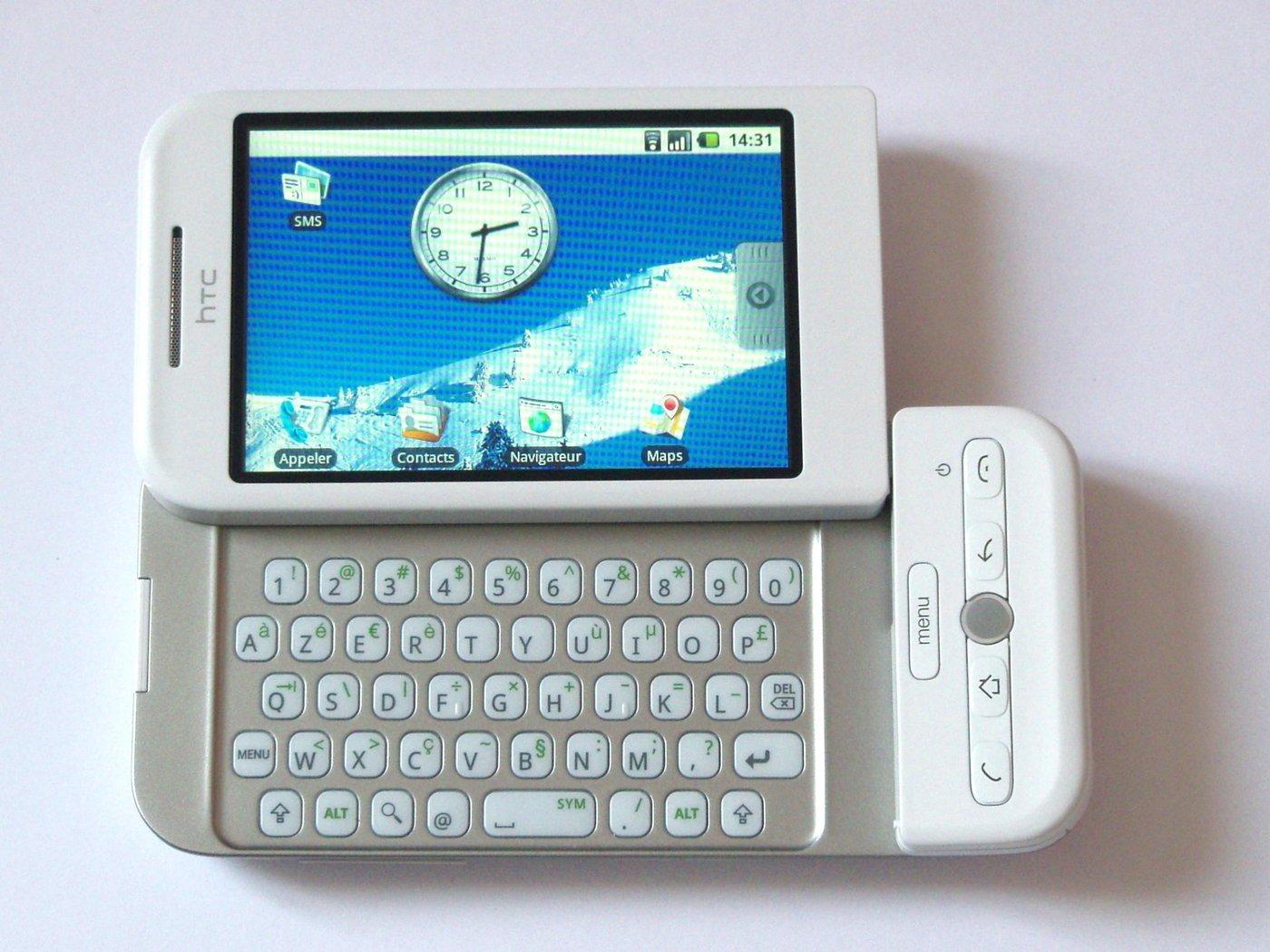 HTC G1 / Dream — первый телефон на Андроиде (вроде)