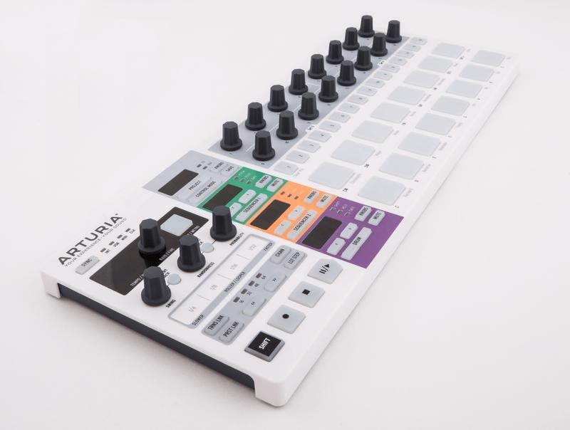 Arturia BeatStep Pro, популярный мультитрековый секвенсор